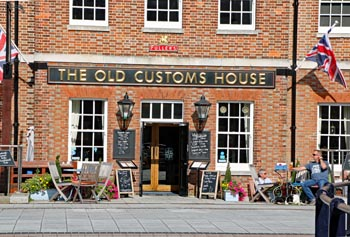 The Old Customs House, restaurants at Gunwharf Quays